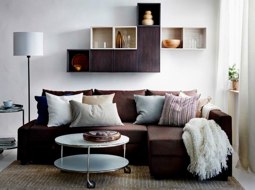 Использование навесной мебели позволит добавить функциональности комнате и не загромоздит пространство