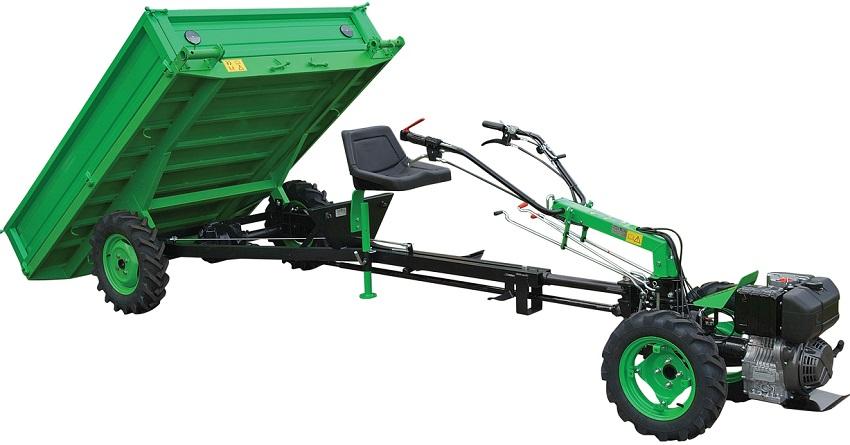 Мотоблок с прицепом для перевозки урожая