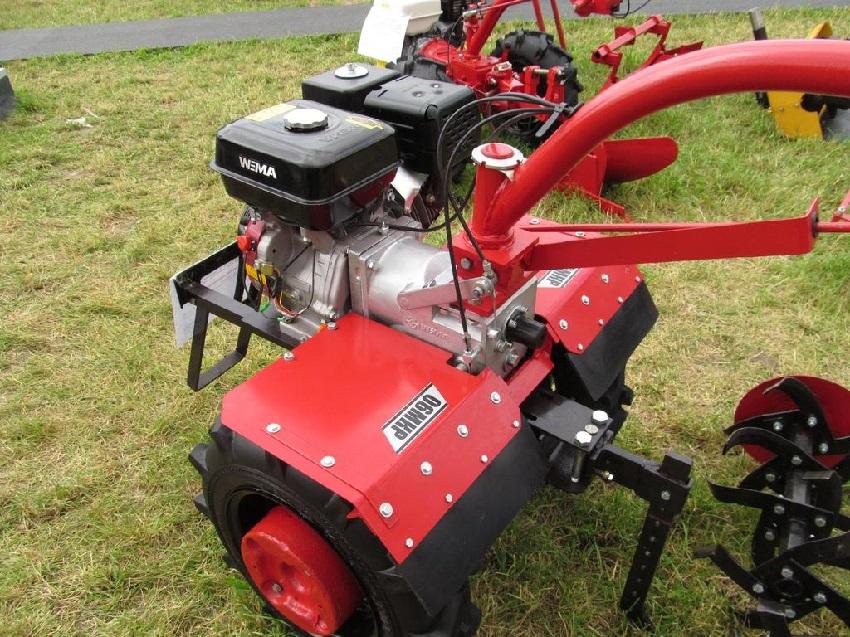 Двигатель мотоблока может быть бензиновым или дизельным