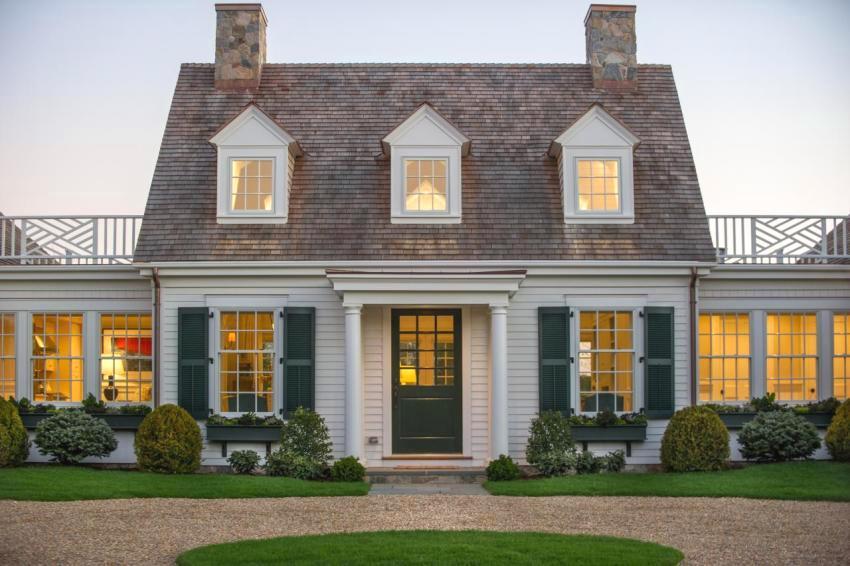Дом в английском стиле с мансардой