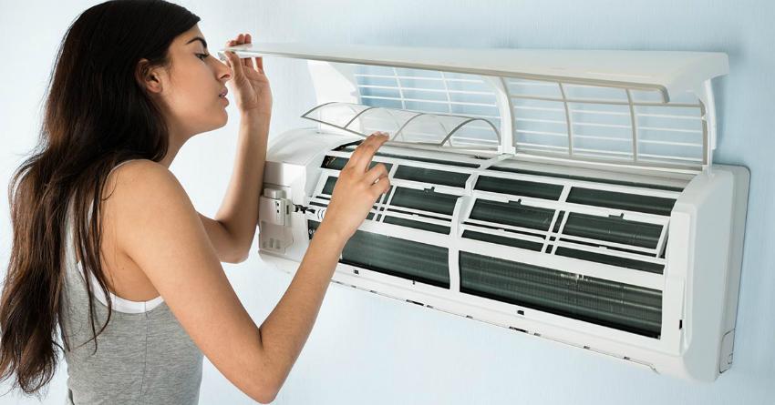 Чтобы воздух был всегда чистым, необходимо время от времени чистить фильтры в кондиционере