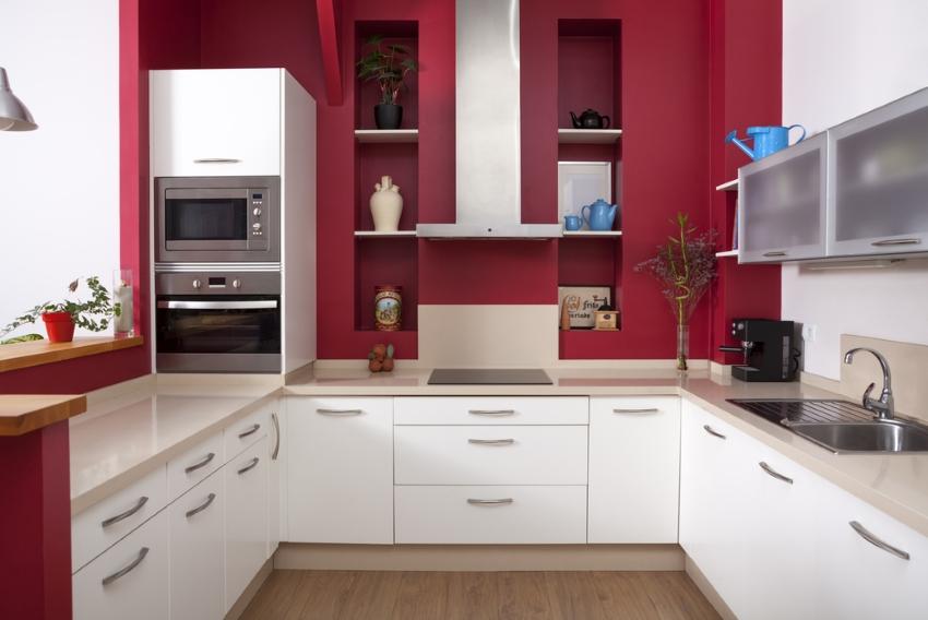 Фартуки для кухни из пластика могут быть различных цветов