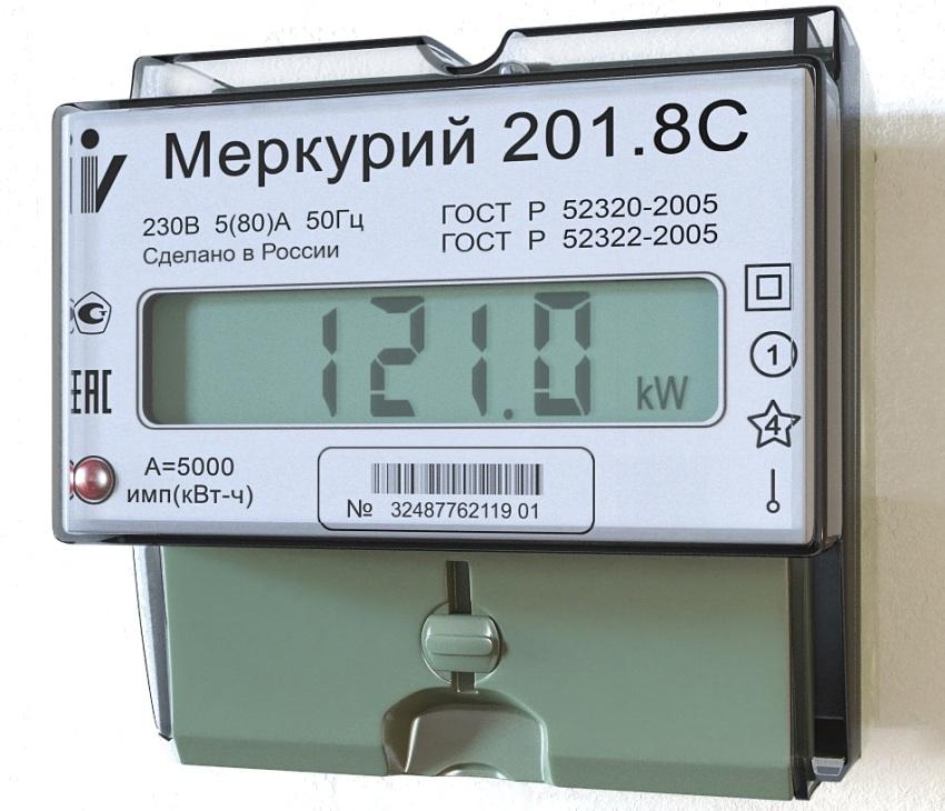 Показания израсходованной электроэнергии на табло счетчика Меркурий 201.8С