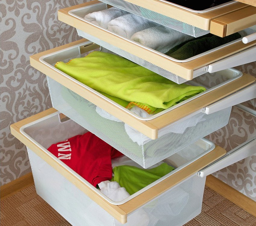 Выдвижные корзинки гардеробной системы Aristo