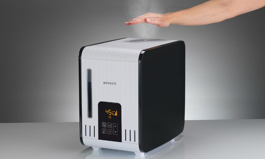 Пар, выпускаемый увлажнителем Boneco Air-O-Swiss S 450, не раскаляется и не обжигает кожу