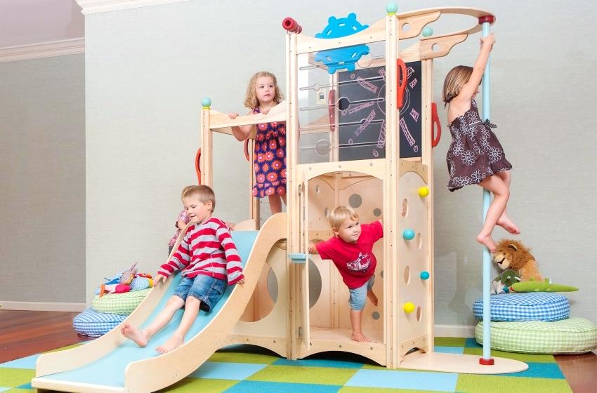 Рекомендуется покупать спортивные комплексы, рассчитанные на определенный возраст ребенка