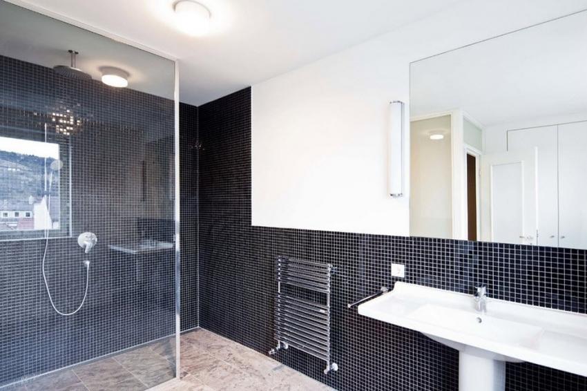 Ванная с душевой без поддона требует укладки усиленной гидроизоляции