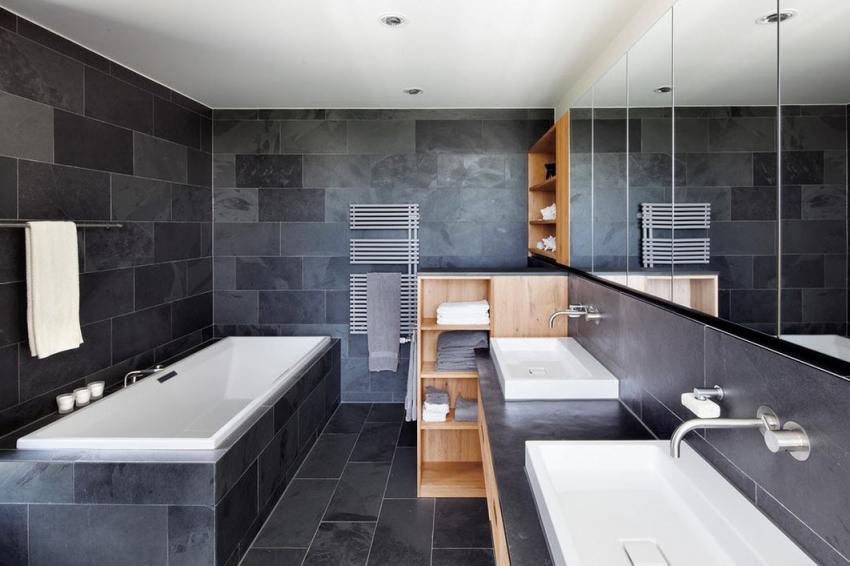 Пример облицовки ванной комнаты с использованием плитки с имитацией камня