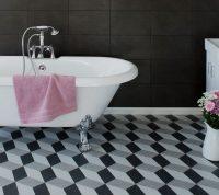 Пример классической схемы укладки плитки на стене ванной