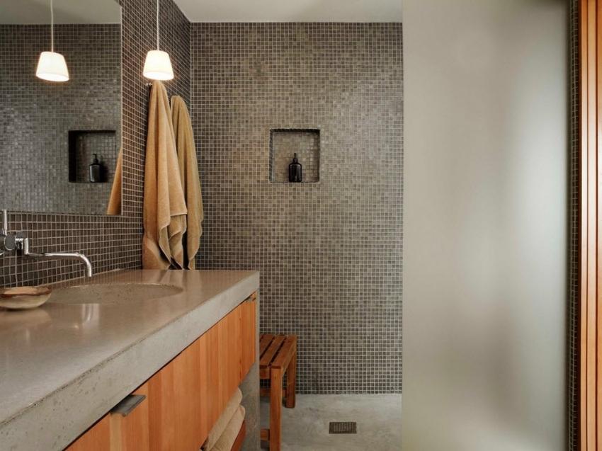 Мозаичная плитка является стильным и современным решением для оформления интерьера ванной