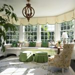 Дом с панорамными окнами: фото примеры красивого французского остекления