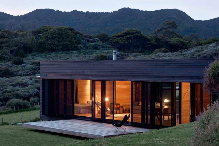 В ветреных регионах лучше устанавливать окна с закаленными стеклами