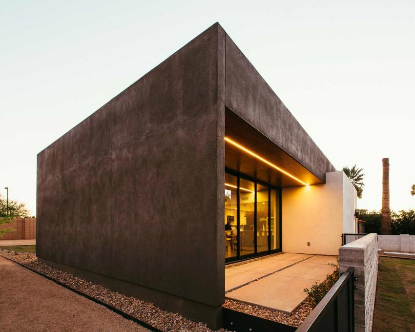 Постройки из газосиликатных блоков обладают высокой прочностью и теплоаккумулирующими свойствами, что позволяет установить большие панорамные окна