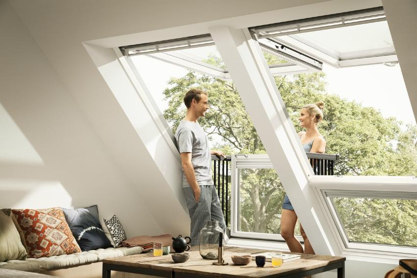 Интересные панорамные окна не только станут акцентом комнаты, но и сделают помещение светлее