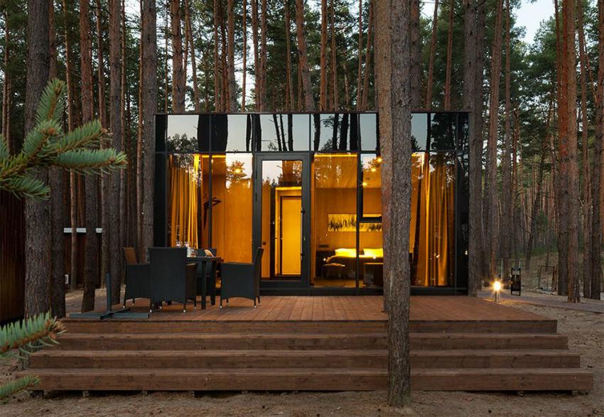 Стоимость постройки коттеджа и возможности установить панорамные окна зависит от выбора строительных материалов