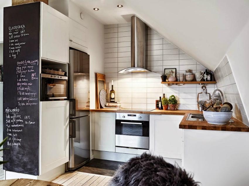 Обновить кухню без особых затрат можно изменив фасады кухонной мебели