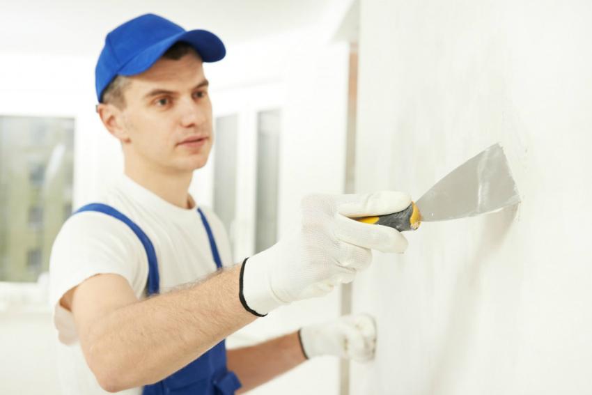 Заказывая ремонт под ключ, владелец квартиры может позволить себе не вникать в детали работы строителей, их работа будет под контролем прораба или дизайнера