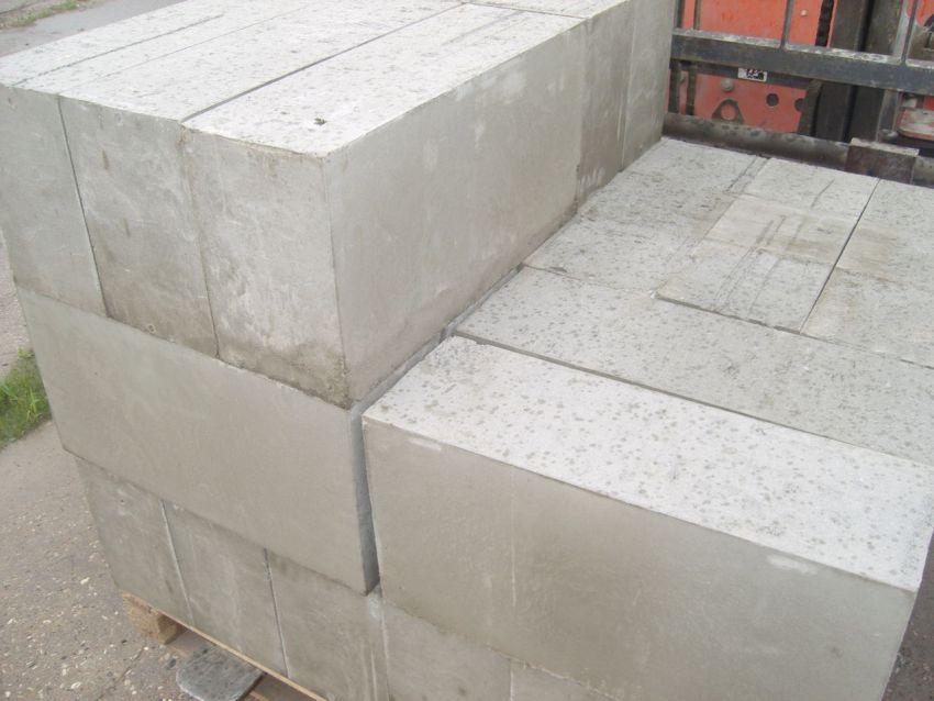 Бетонные блоки являются наиболее востребованными на рынке строительных материалов