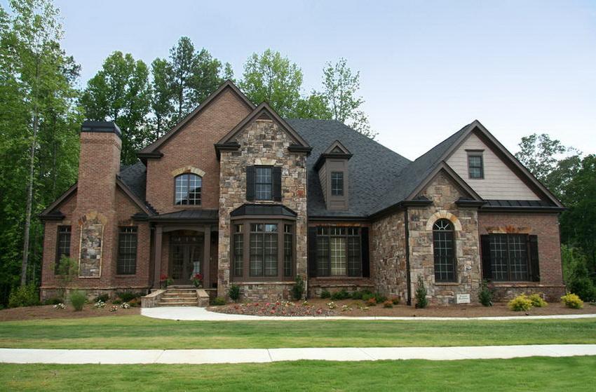 Планировка домов осуществляется таким образом, чтобы центральный фасад выходил на южную сторону