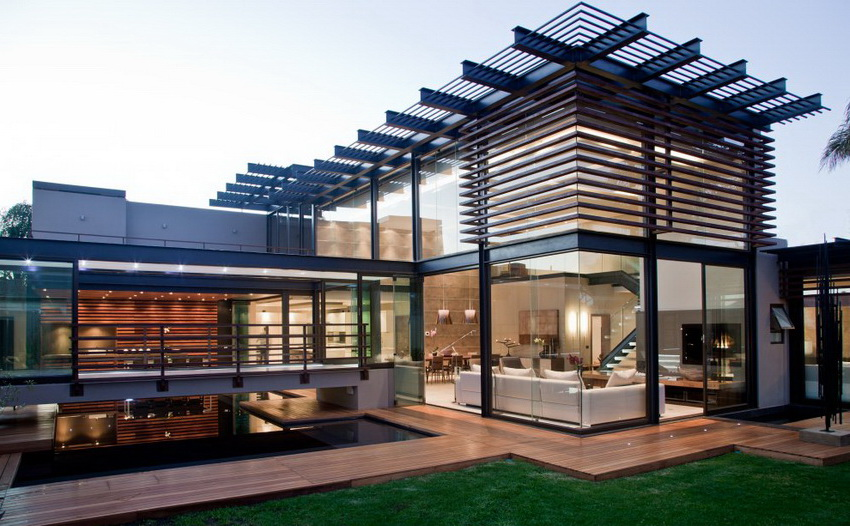 Уникальный современный дом имеет потрясающий круговой обзор