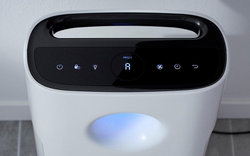 Некоторые модели очистителей воздуха оснащены подсветкой, которую можно использовать как ночник для ребенка