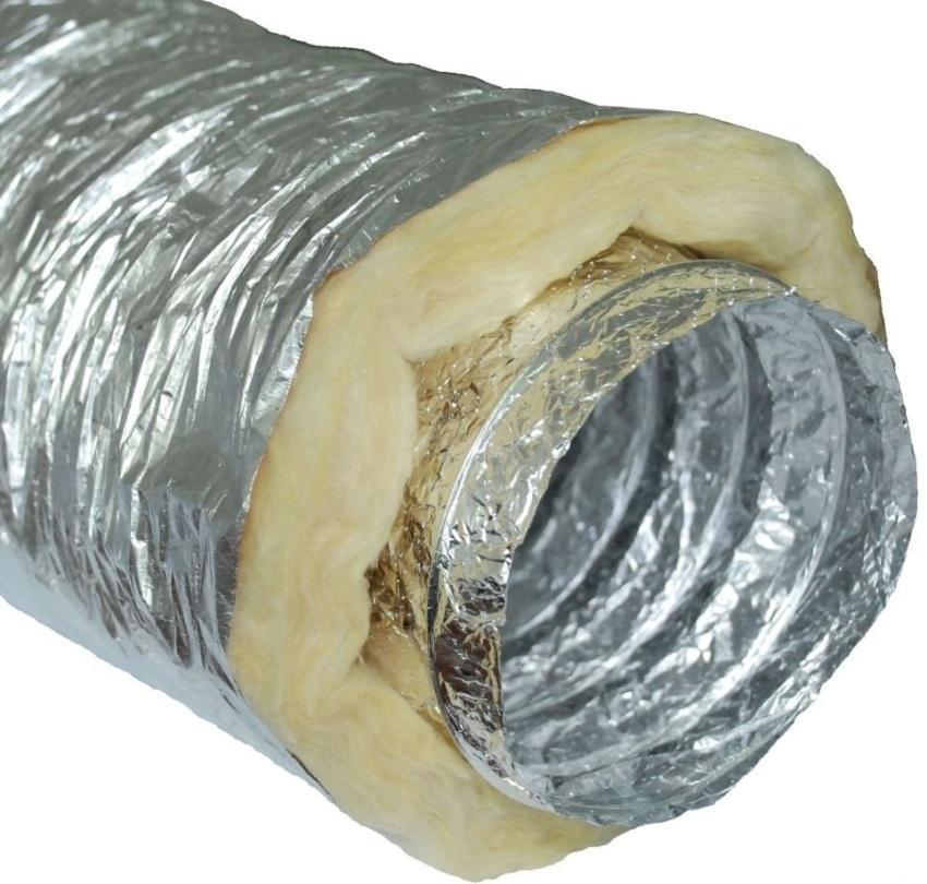 При изготовлении теплоизолированного воздуховода применяют минеральную вату или стекловату