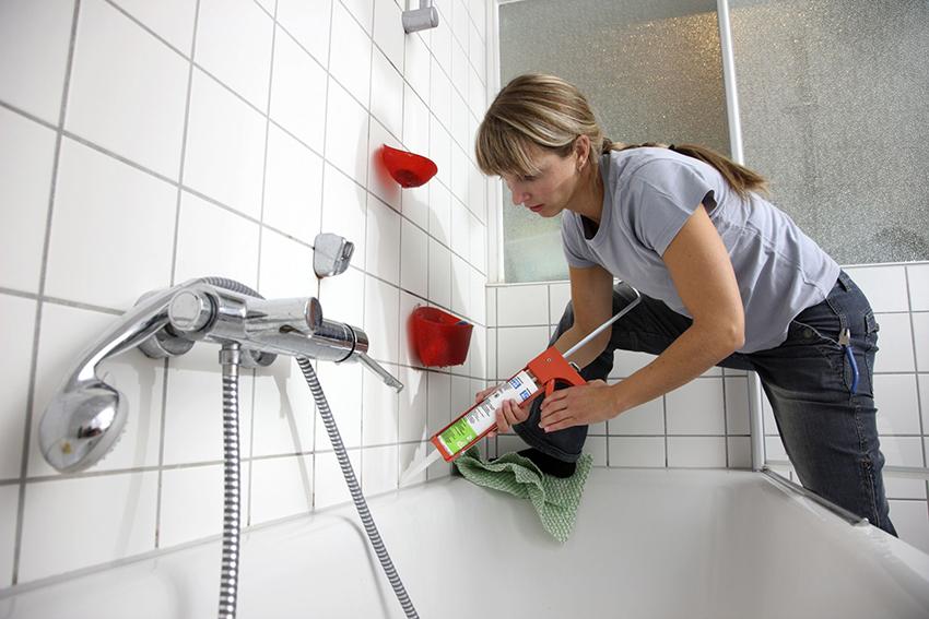 Пластиковый плинтус можно легко установить собственными руками, придерживаясь определенных правил
