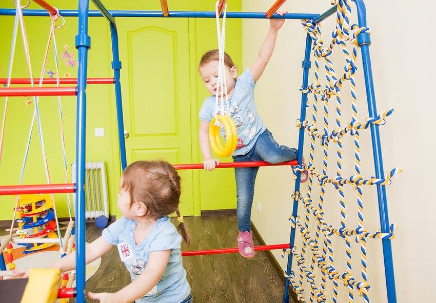 Существует множество моделей надежных и качественных детских спортивных уголков
