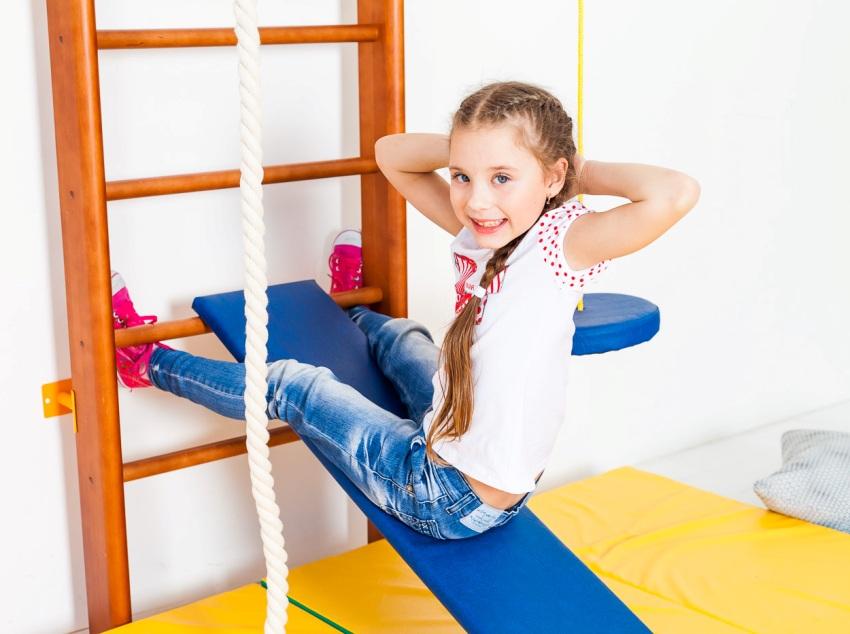 Многофункциональные конструкции позволят детям выполнять разнообразные упражнения