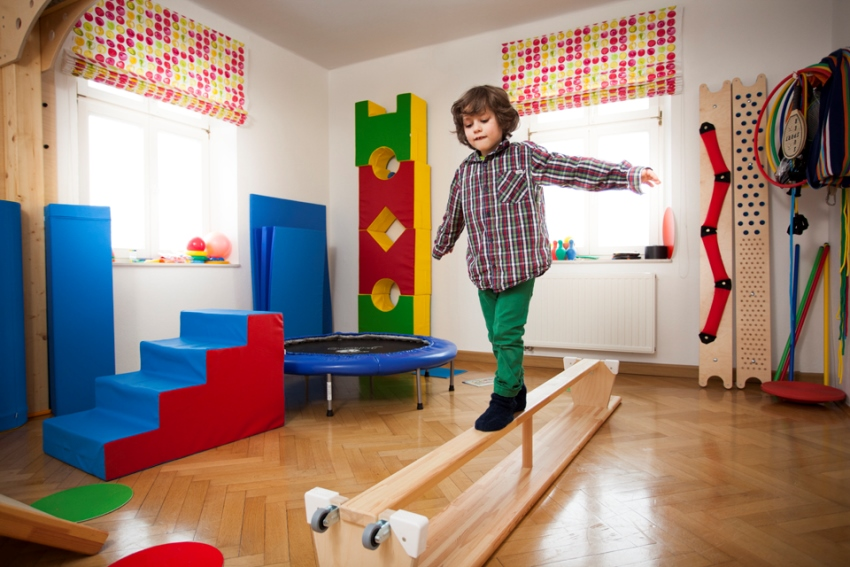 Занятия на детском спортивном комплексе - эффективный способ для формирования правильной осанки