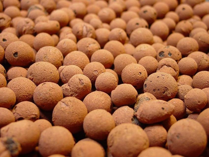 Керамзит часто используется для утепления деревянного пола