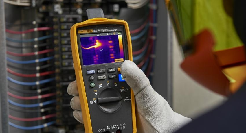 Современные тестеры сочетают функции вольтметра, омметра, амперметра, частотомера, а также измерителя индуктивности и емкости