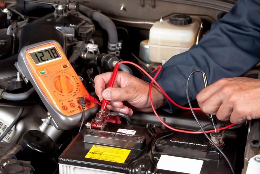 Мультиметр - это необходимый пробор в арсенале автовладельца, который поможет сэкономить на услугах автосервиса