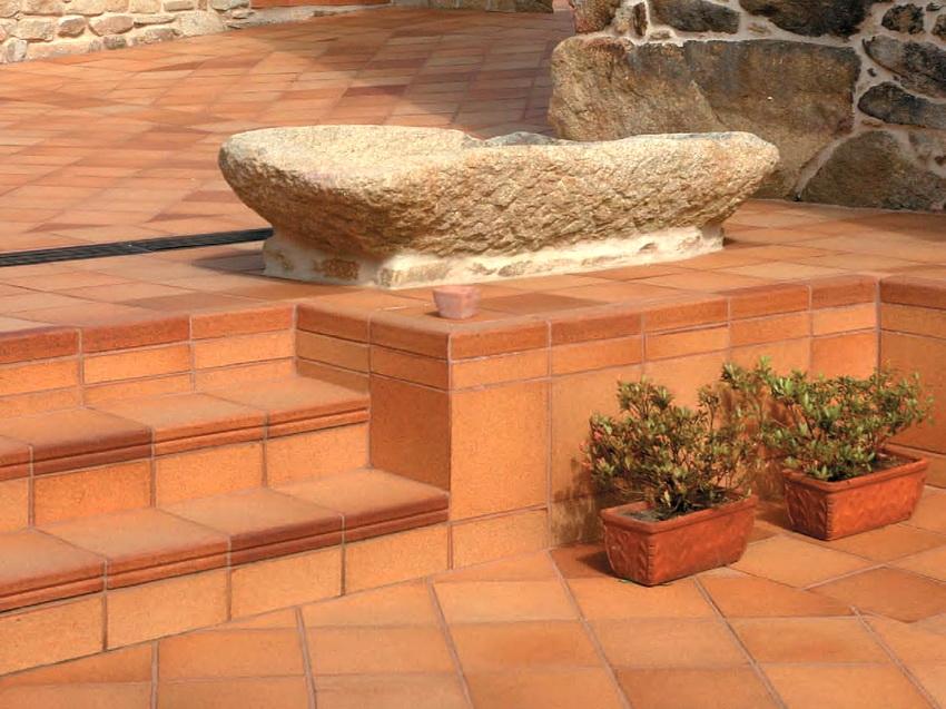 Характеристики клинкерной плитки ничем не уступают природным материалам