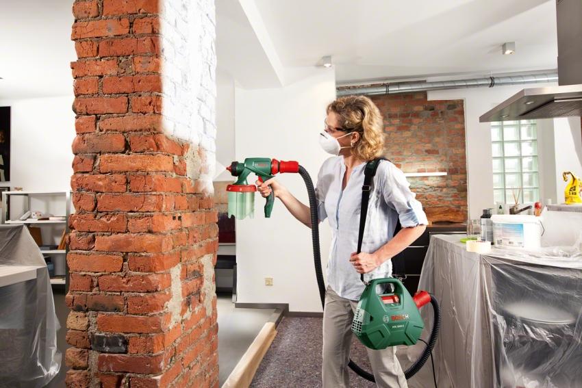 Использование краскопульта являться самым быстрым и удобным способом покраски стен