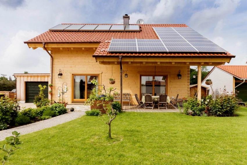 Некоторые пользователи утверждают, что солнечная станция может покрыть полностью все расходы электроэнергии - начиная от мелких бытовых приборов и заканчивая системой отопления и нагрева воды