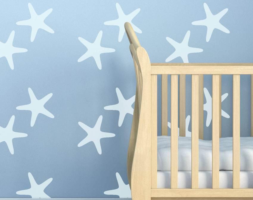 Для того чтобы рисунки выглядели лаконично, необходимо подбирать их по стилю дизайна комнаты