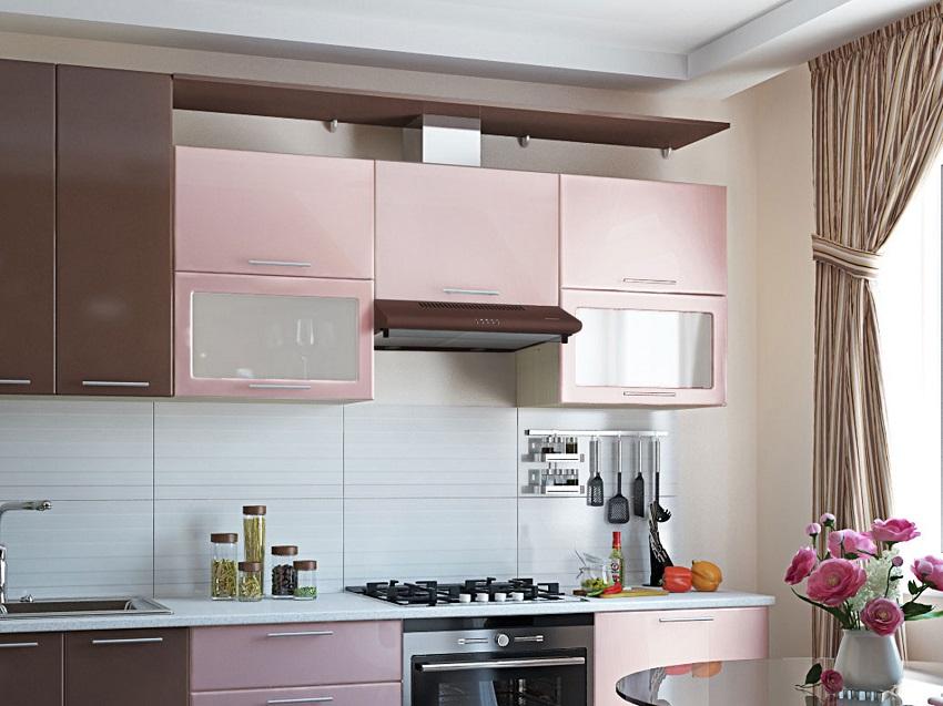 Интерьер кухни со встроенной вытяжкой