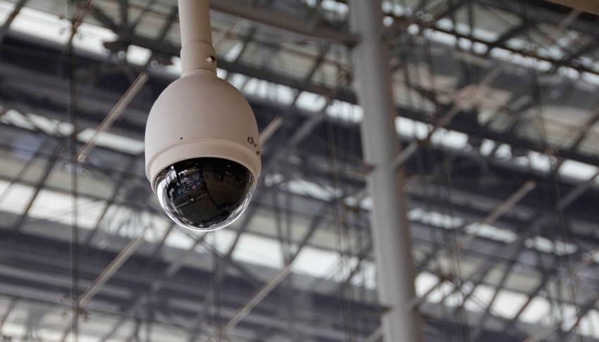 Купольные камеры наблюдения предназначены в основном для монтажа на потолок помещения чтобы обеспечить полный угол обзора