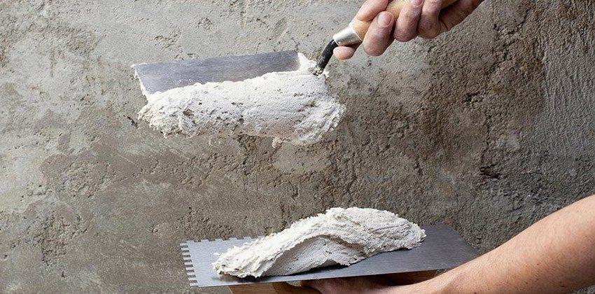 Для придания более эстетичного вида покрытию из цементной штукатурки, можно использовать фасадную краску для наружных работ
