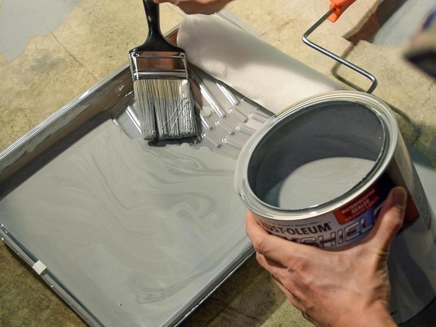 Перед окрашиванием, краску следует тщательно размещать и, в случае необходимости, разбавить подходящим растворителем