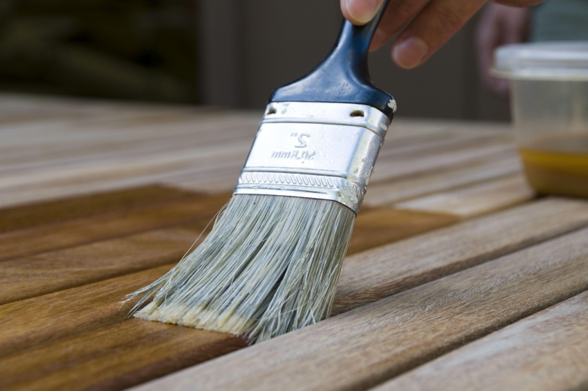 Защитная и декоративная обработка древесины - залог долговечности конструкций и строений