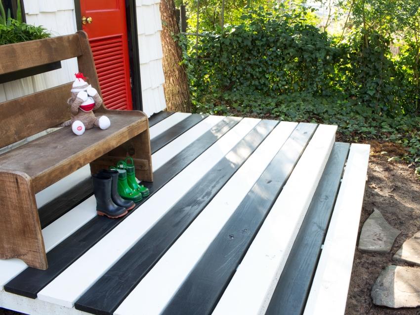 Для получения насыщенного оттенка, древесину стоит окрашивать двумя слоями акриловой краски