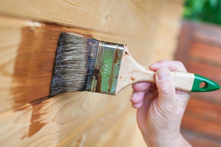 Фасадную краску Неомид можно использовать для покрытия ранее окрашенных деревянных конструкций