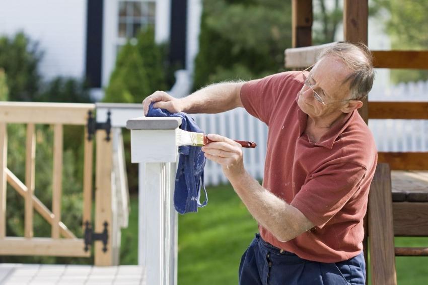 Перед использованием, масляную краску необходимо тщательно перемешать деревянной шпажкой