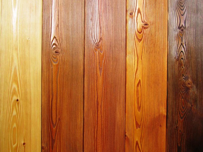 Лидер рынка строительных красок Капарол предлагает покупателям широкий выбор лакокрасочных материалов для дерева, которые отличаются большой гаммой цветов а также высоким качеством покрытия