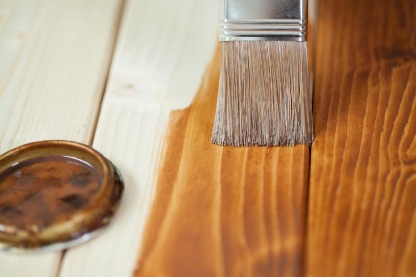 Красители класса люкс от производителя Тиккурила подходят для отделки деревянных стен и потолка в жилых комнатах