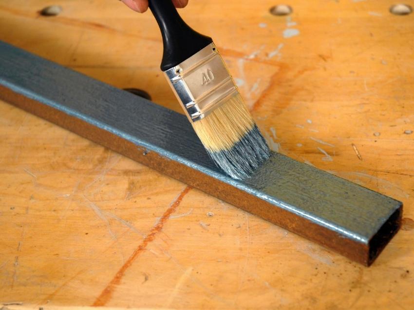 Красители марки Оптимист отличаются экономичностью, поэтому широко используются для покрытия стальных конструкций