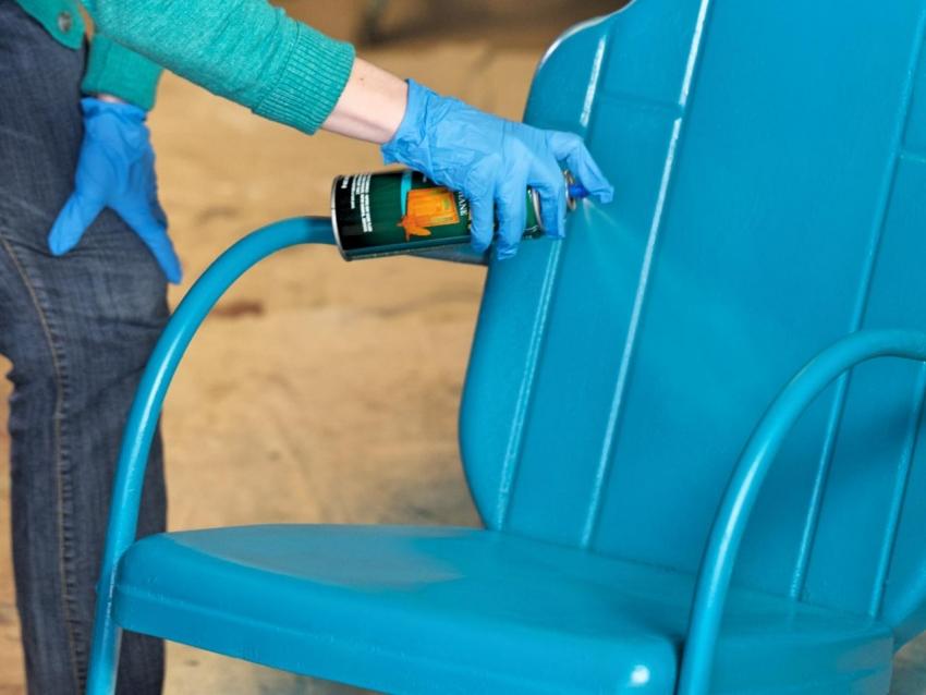 Для того чтобы получить гладкое матовое покрытие, стоит использовать краску по металлу Hammerite серии Smooth