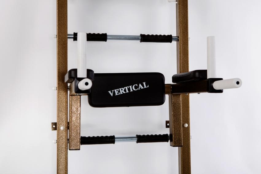 Шведская стенка для взрослых оснащена турником для отжимания, но такую комплектующую можно приобрести отдельно и прикрепить к детской стенке